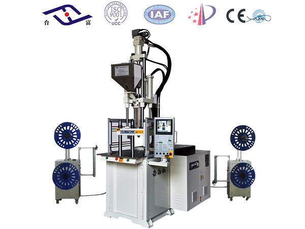 立式注塑机厂家与自动化机械手的配合