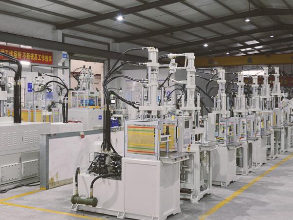 台富高速立式成型机伺服液压系统可达到高节能
