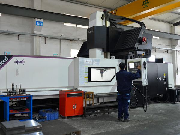 台富机械加工设备-龙门加工中心