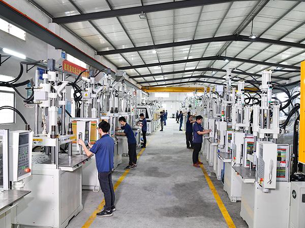 台富机械立式硅胶机基地